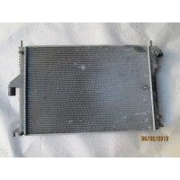 Продам радиатор двигателя оригинал  для Renault Logan