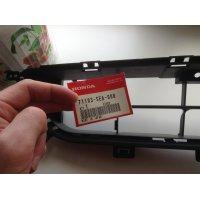 Продам Решетка бампера  для Honda Accord
