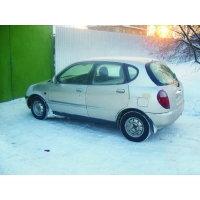 Продам а/м Daihatsu Storia битый